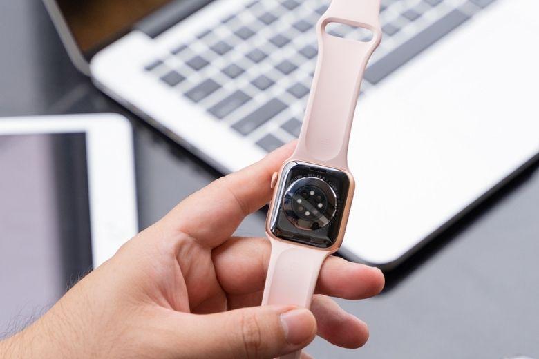 mặt lưng Apple Watch S6
