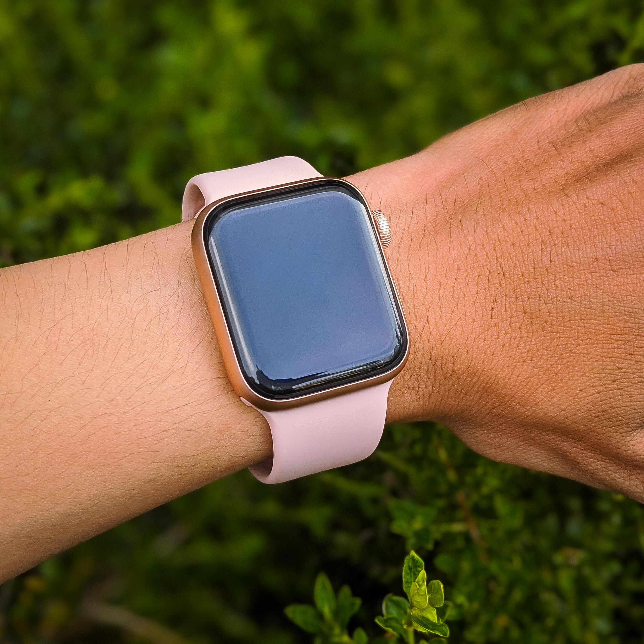 Cận cảnh Apple Watch Series 4 (40mm) Bản CPO eSim