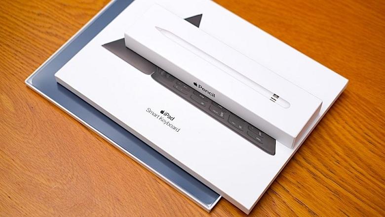 ipad gen 8 kết nối bút và bàn phím apple
