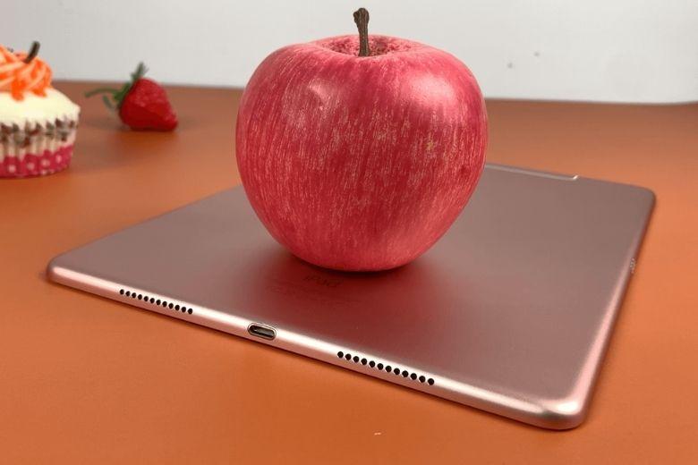 iPad Pro 9.7 inch 2016 cạnh đáy