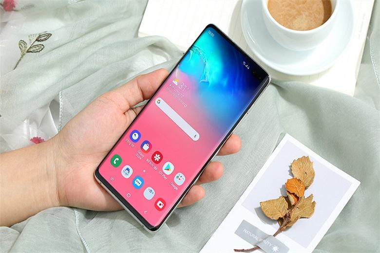 Tại sao nên mua Samsung Galaxy S10+ trong năm 2021?