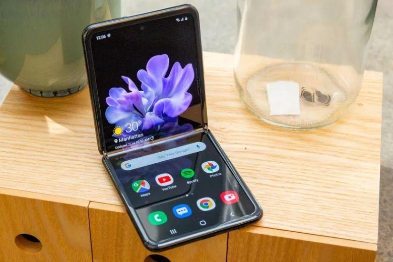 Thiết kế màn hình gập Samsung Galaxy Z Flip 3