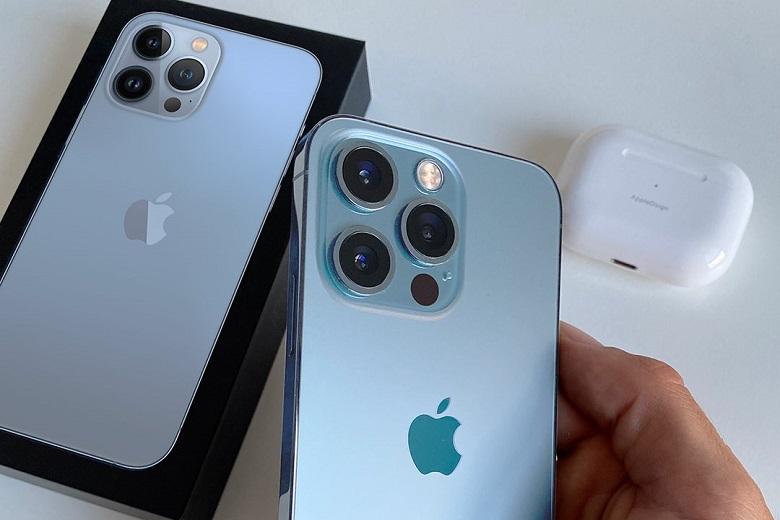 Đập hộp trên tay iPhone 13 Pro Max màu xanh tuyệt đẹp