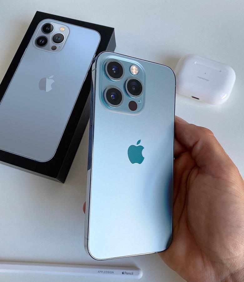 Trên tay iPhone 13 Pro Max màu xanh lam