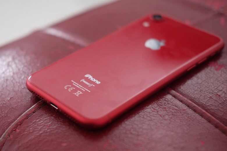 iPhone XR cũ sở hữu thiết kế trẻ trung với nhiều màu sắc bắt mắt