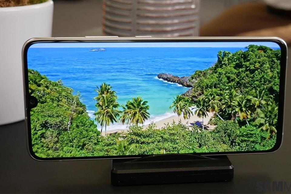 Khả năng hiển thị của Galaxy A90 5G công ty
