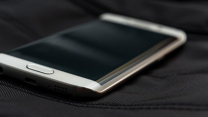 chọn mua Samsung Galaxy S6 Edge 5