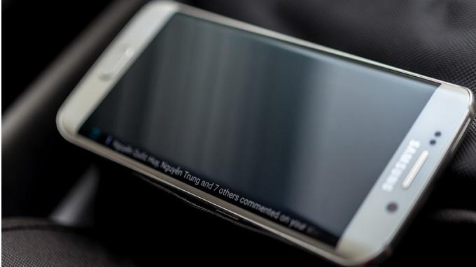 chọn mua Samsung Galaxy S6 Edge 1