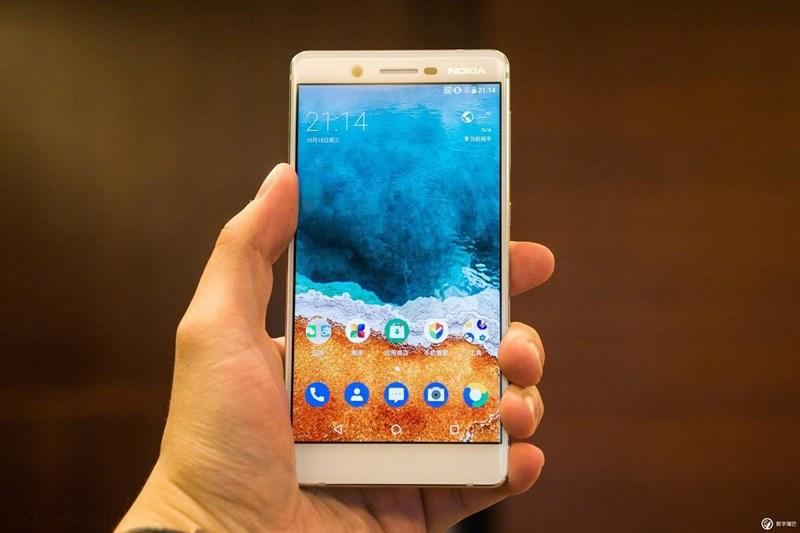 Trên tay Nokia 7