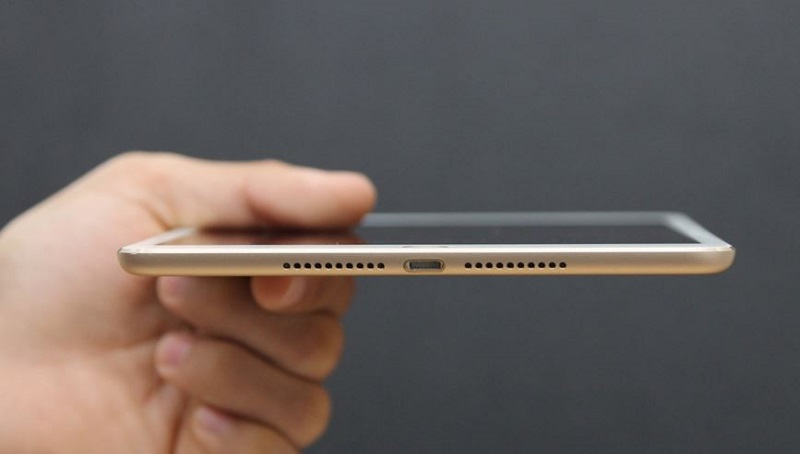 Cạnh dưới iPad Mini 4