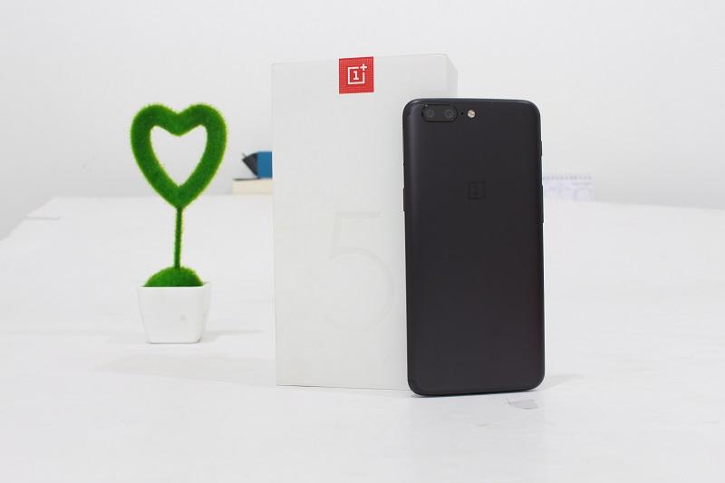 Đập hộp OnePlus 5