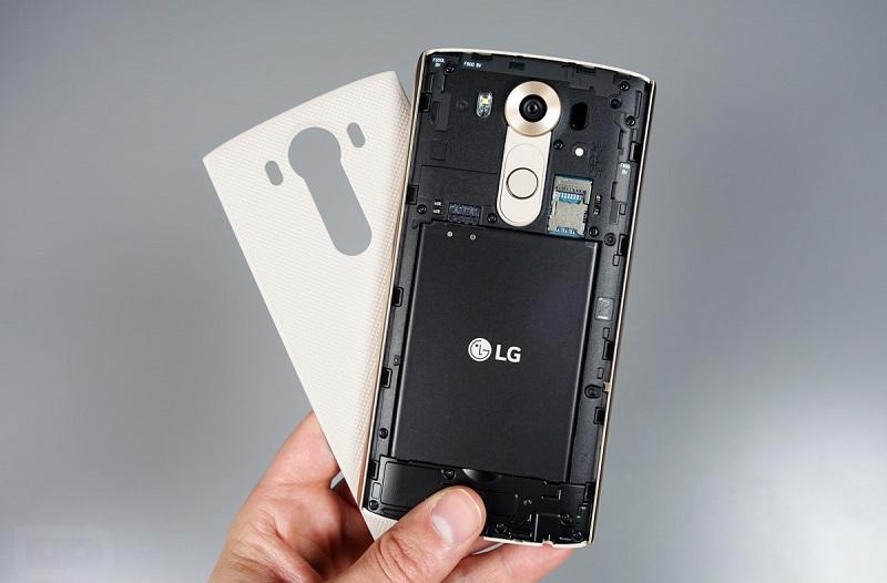 Nắp lưng LG V10 có thễ tháo rời