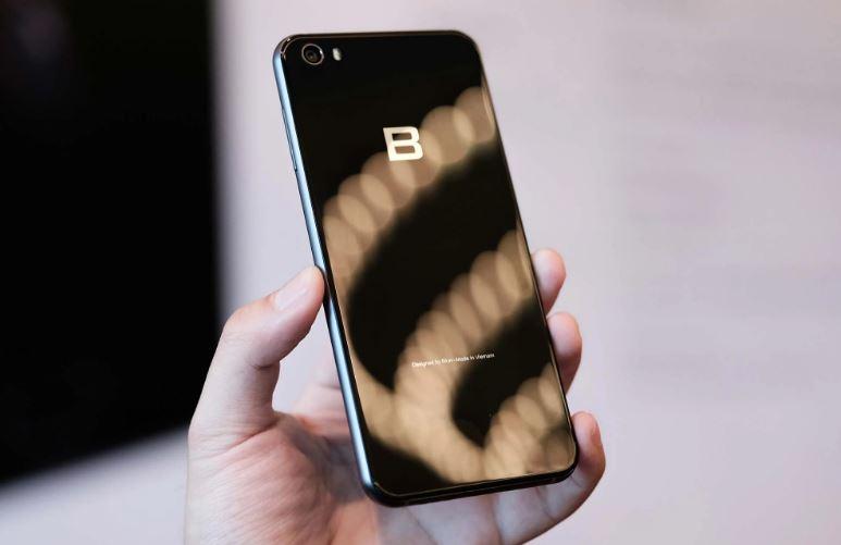 Nên mua LG G5 hay Bphone 2017