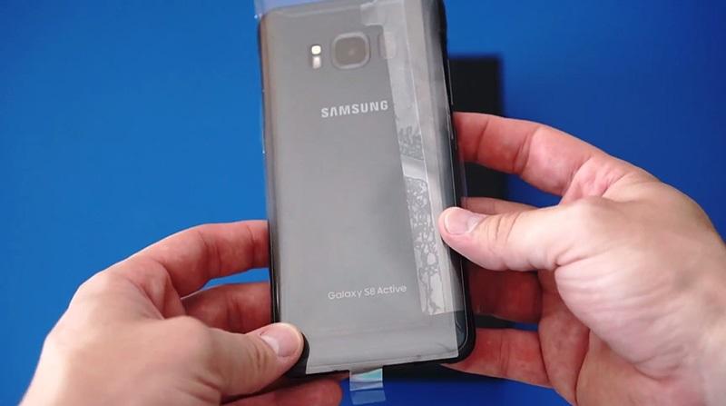 Thiết kế Samsung Galaxy S8 Active