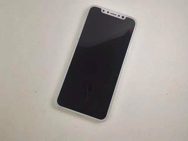 Mô hình iPhone 8: Màn hình