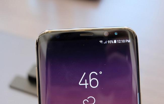 Bảo mật mống mắt trên Samsung Galaxy S8 2 SIM