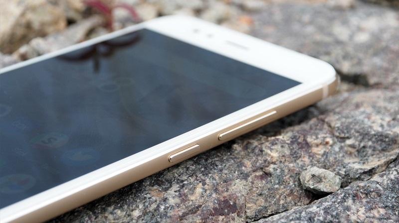 Ảnh Xiaomi Mi A1: Cạnh phải