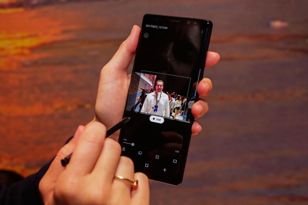 Note 8 cho phép người dùng tạo một ảnh GIF động từ video.