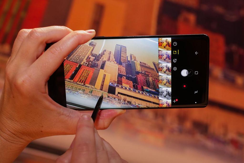 Để tìm các bộ lọc trong camera của Note 8