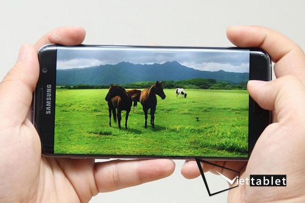 Sửa lỗi máy Samsung Galaxy S7 Plus bị sọc màn hình tại Viettablet