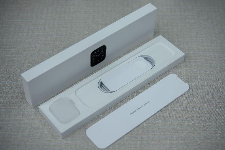 Apple Watch SE fullbox