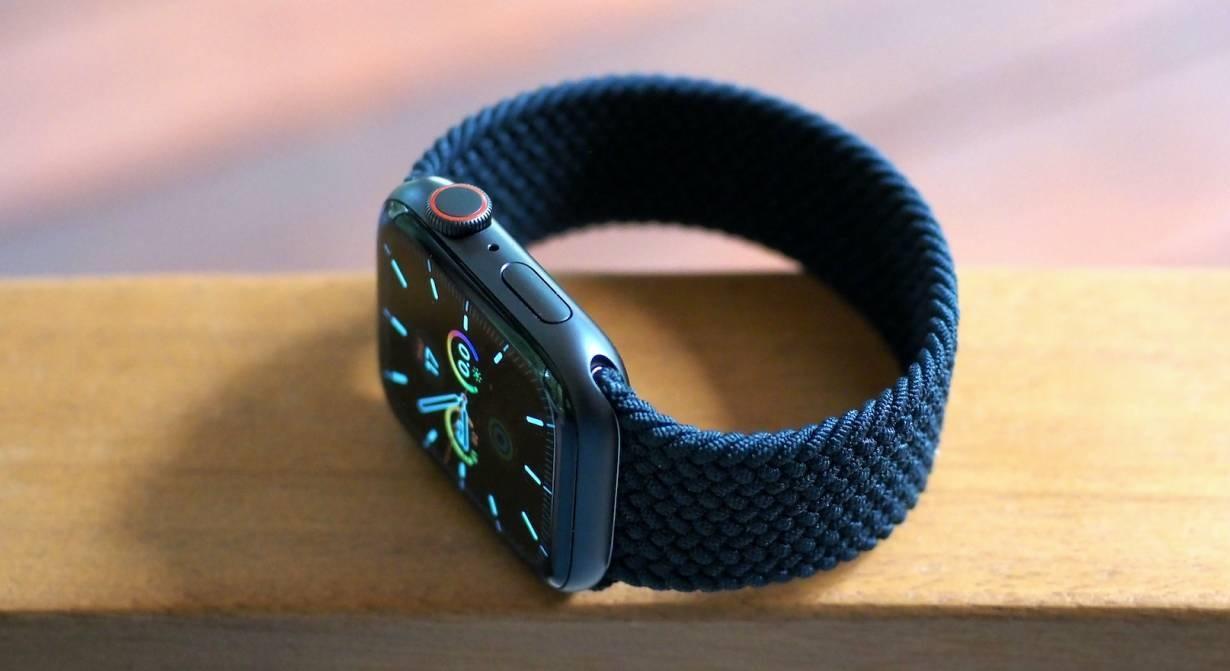 thiết kế apple watch se 44mm