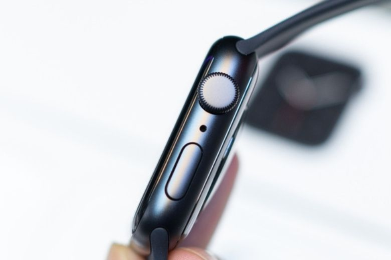 apple watch SE esim 40mm mặt bên