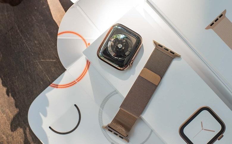 mặt sau Apple Watch S4 (44 mm) bản thép cũ
