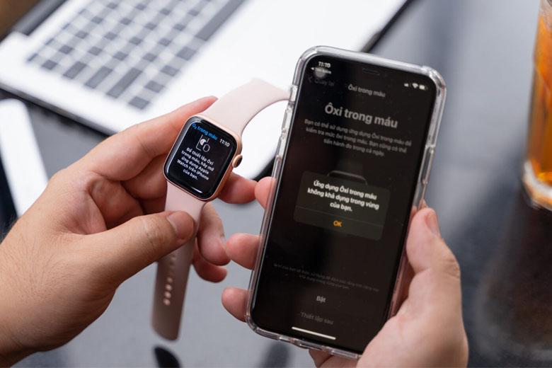 Tính năng đo oxy trong máu Apple Watch Series 6 eSIM bản thép 44mm