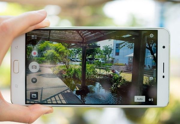 Giao diện chụp ảnh trên Asus Zenfone 3 Ultra