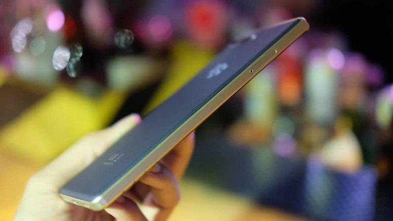 Blackberry Key2 LE có thiết kế tiện dụng