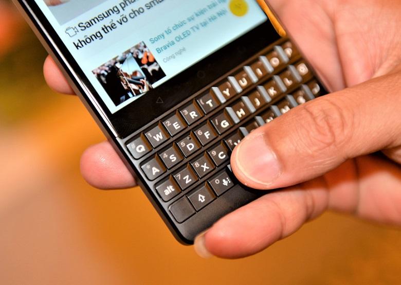 Blackberry Key2  bàn phím