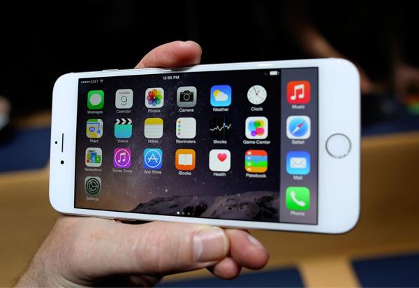Công nghệ màn hình Retina cho chất lượng hiển thị trên iPhone 6 Plus Lock sắc nét, sống động