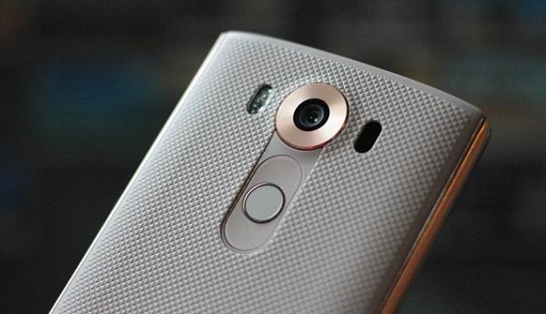 Với sức mạnh cấu hình đáng nể, LG V10 Cũ dễ dàng để vận hành các tính năng vượt trội còn lại, trong đó có camera.