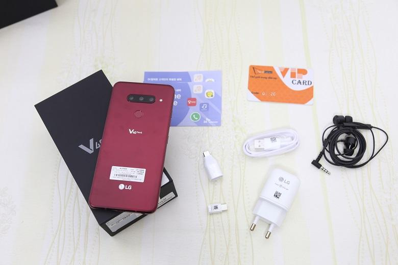 LG V40 ThinQ và phụ kiện