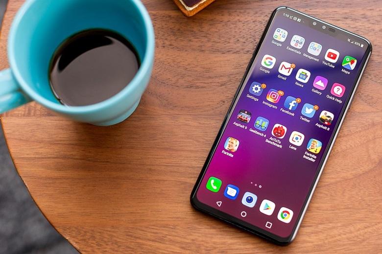 LG V40 ThinQ sở hữu màn hình kích thước 6.4 inch