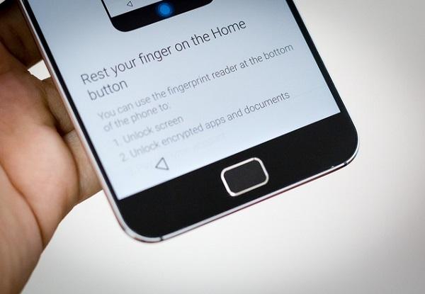 Meizu MX4 Pro có cảm biến vân tay khá nhạy