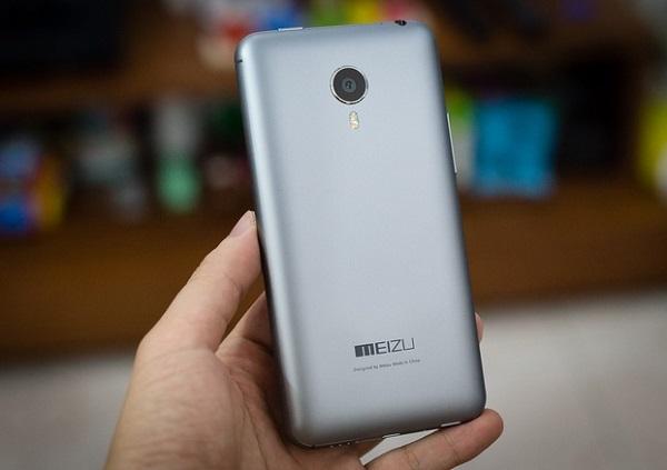 Mặt sau của Meizu MX4 Pro nổi bật với camera 20,7 MP