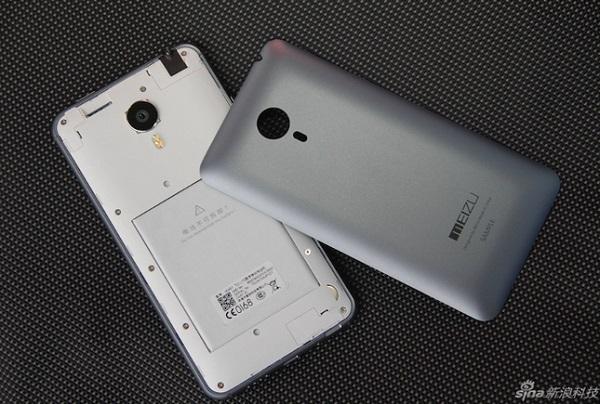 Nắp lưng của Meizu MX4 có thể dễ dàng tháo rời