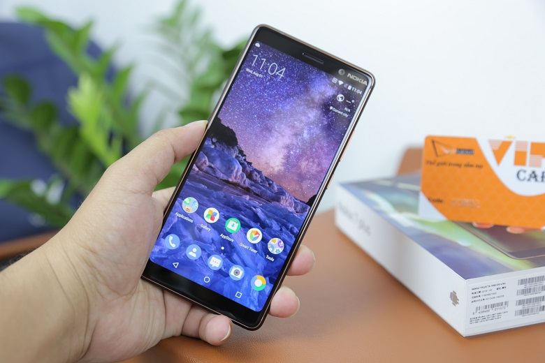 đánh giá màn hình Nokia 7 Plus