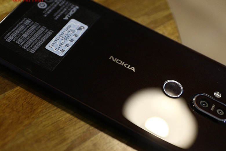 Nokia X7 64Gb có nhiều nét tương đồng về thiết kế so với Nokia X6 2018