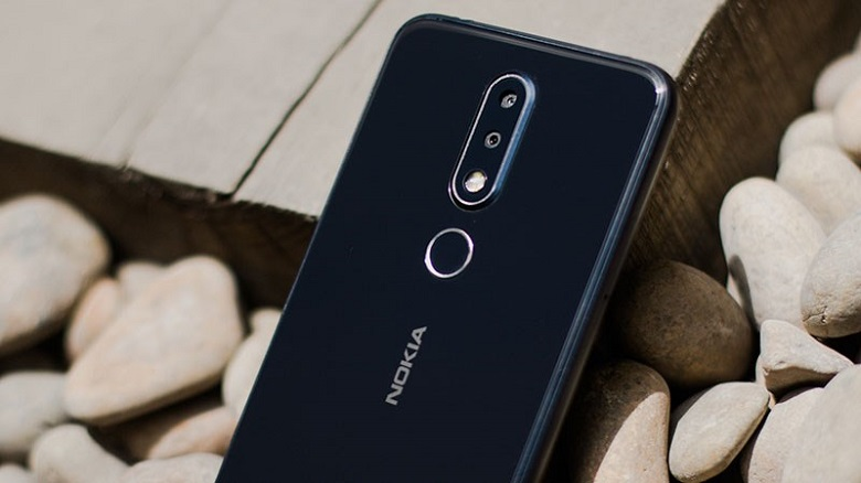 Ống kính camera Nokia X7 được trang bị Zeiss