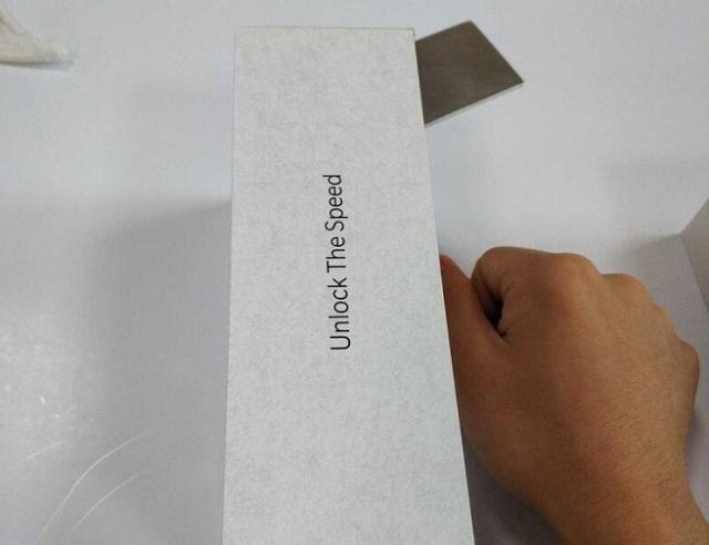 vỏ hộp thiết kế oneplus 6t có in hình máy