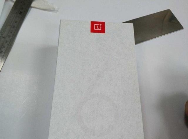 vỏ hộp thiết kế oneplus 6t