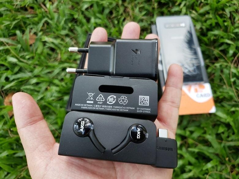 Phụ kiện của Galaxy S10 Plus 8GB - 512GB Hàn