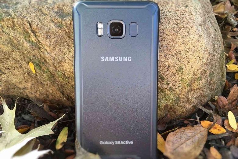 Samsung Galaxy S8 Active có thiết kế hầm hồ