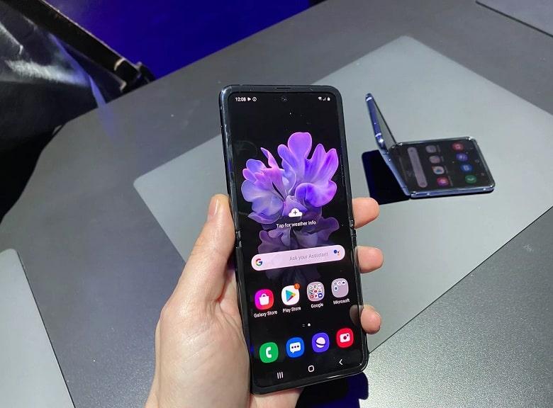 màn hình Samsung Galaxy Z Flip