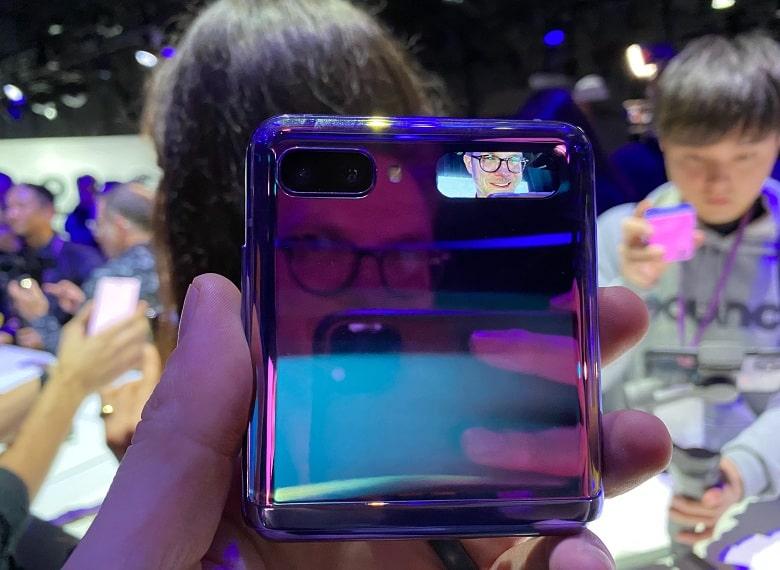 thiết kế Samsung Galaxy Z Flip