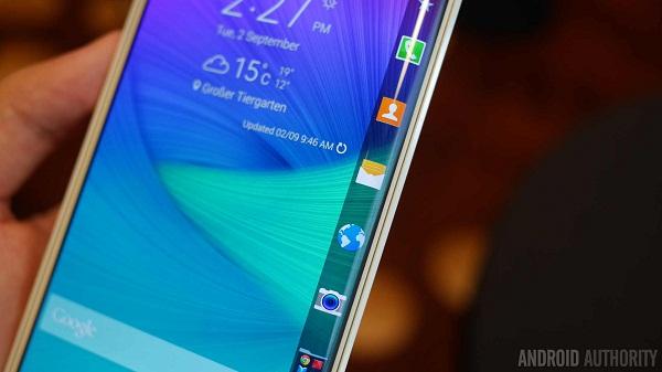 Màn hình cong đặc biệt của Samsung Galaxy Note Edge Docomo