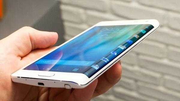 Samsung Galaxy Note Edge Docomo sở hữu thiết kế đẹp
